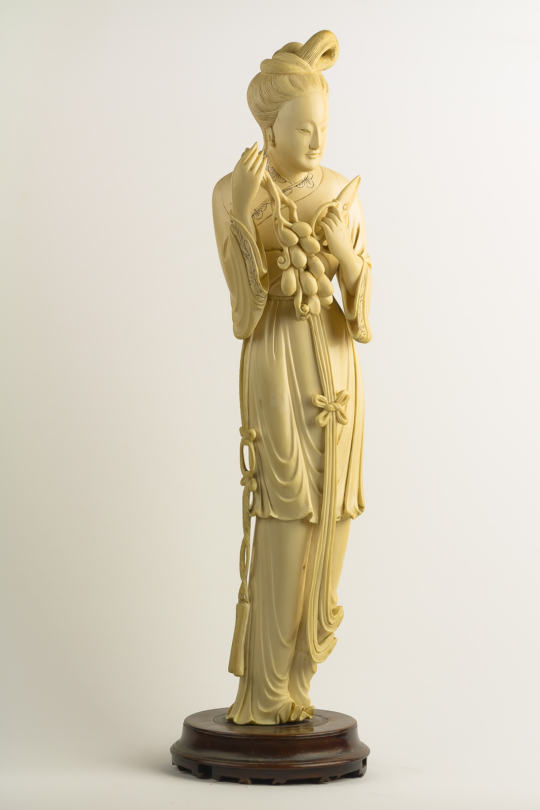 Ivory Lady with Grapes-7